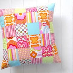 QUITED PILLOW P8 - deluxe.com.ng